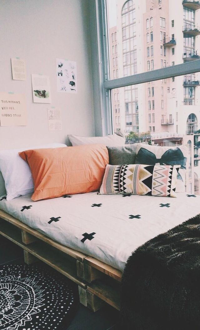 Student Living Room Decor: Theming Your Uni Room (NL Daily Blogs)