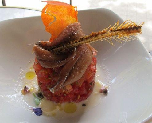 Nuestro viajero y gourmet mundial, con una gran guía para comer buenas tapas en Barcelona.