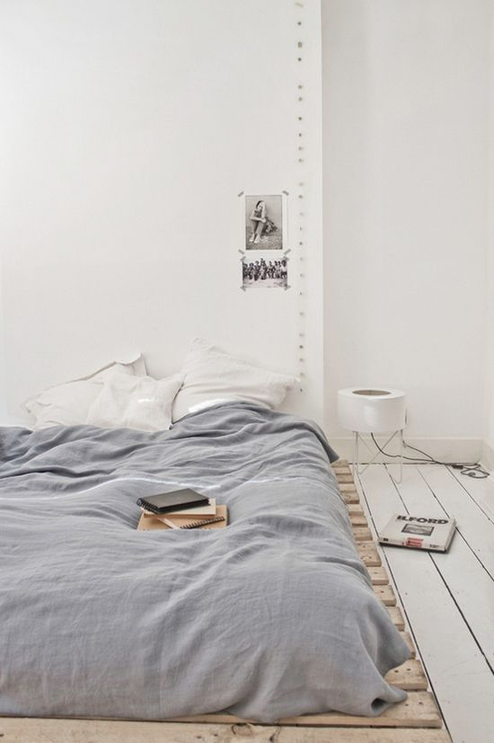 Recycled-Pallet-Bed-Frames-homesthetics (18)