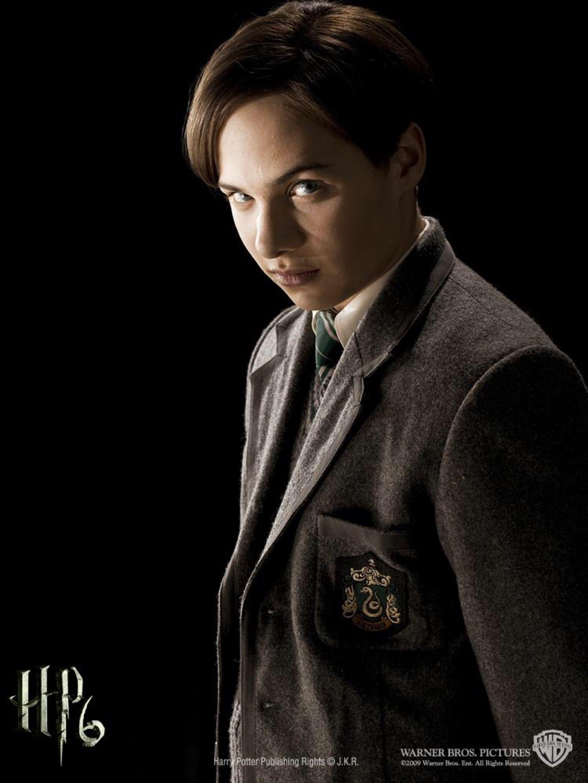 Frank Dillane As Tom Riddle Harry Potter Characters Weasley Harry Potter Harry Potter Toms