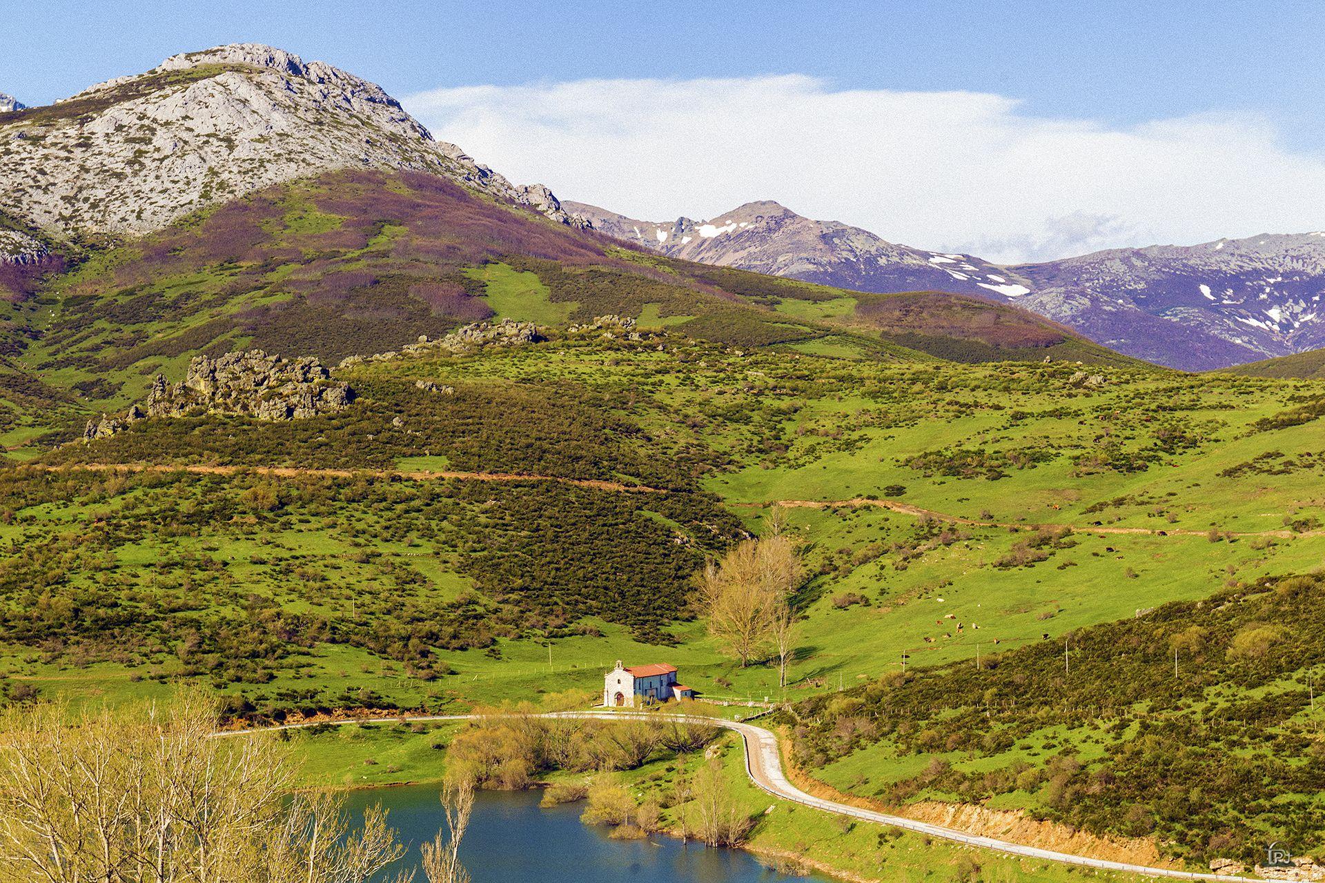 Alba De Los Cardaños Montaña Palentina España Parques Naturales San Salvador Montañas