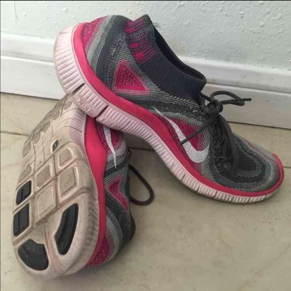07ee21b87dea Nike Flyknit 5.0 Nike Size 7.5 Flaw shown Some dirt Not noticeable Retail  $130 Nike Shoes Athletic Shoes