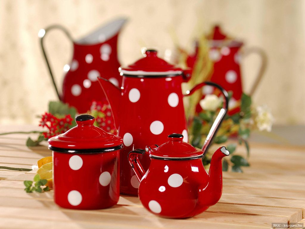 A set of polka dot teapots