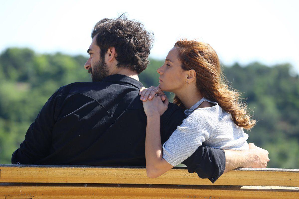 Poyraz Karayel Poyrazkarayel تويتر Cute Couples Romantic Gif Couples