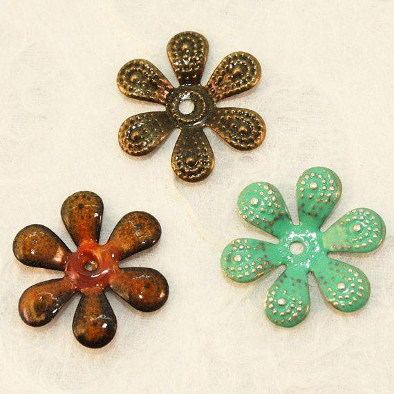 100 Antique Bronze Flower Bead Caps 15 mm in diameter