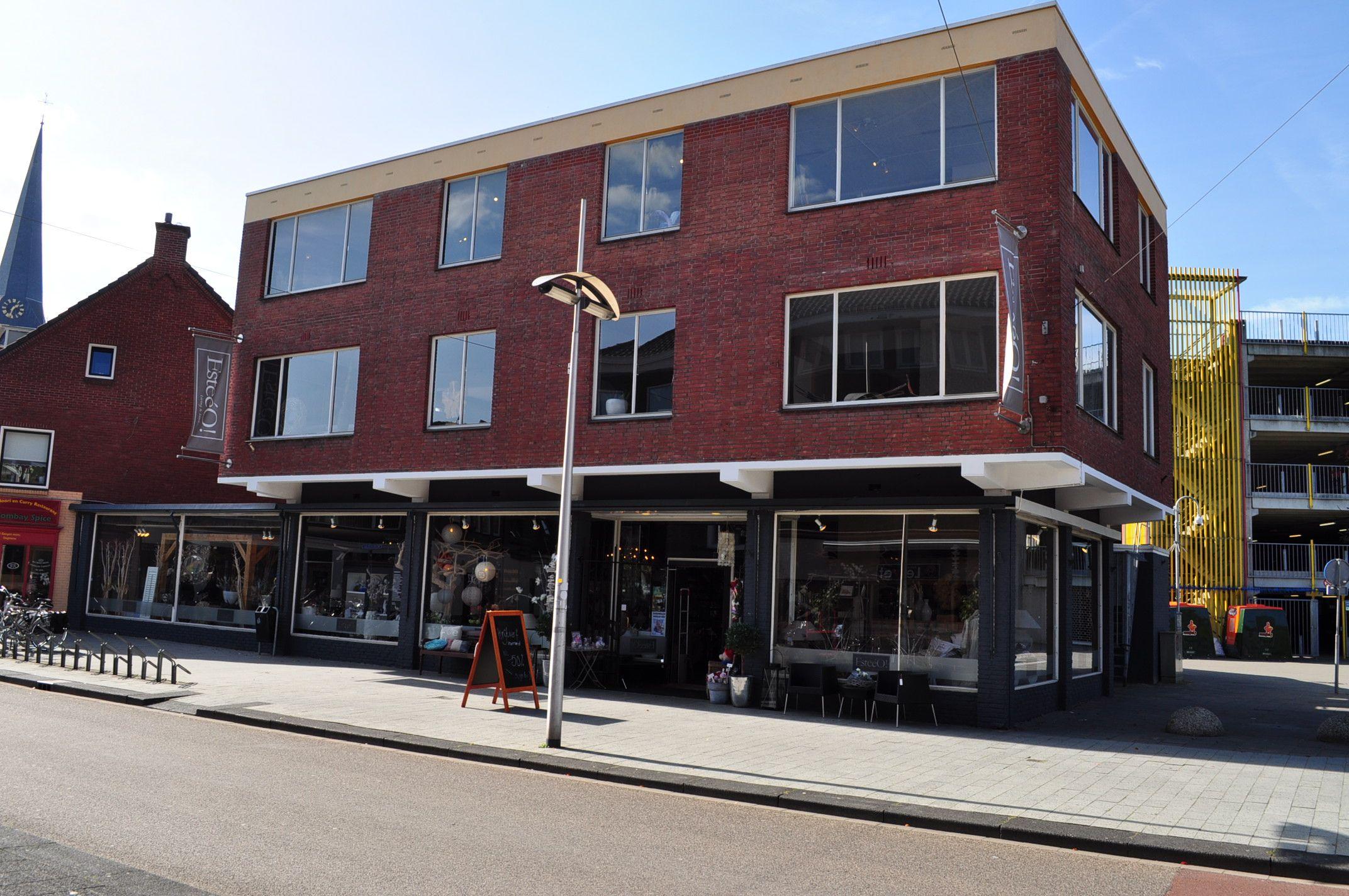 Woonwinkel esteeo gezien vanuit de oldenzaalsestraat in for Koopzondag hengelo
