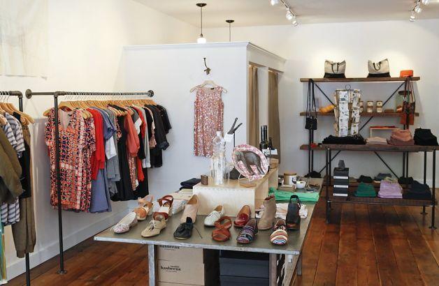 Small Clothes Boutique Google Search Small Shop Design
