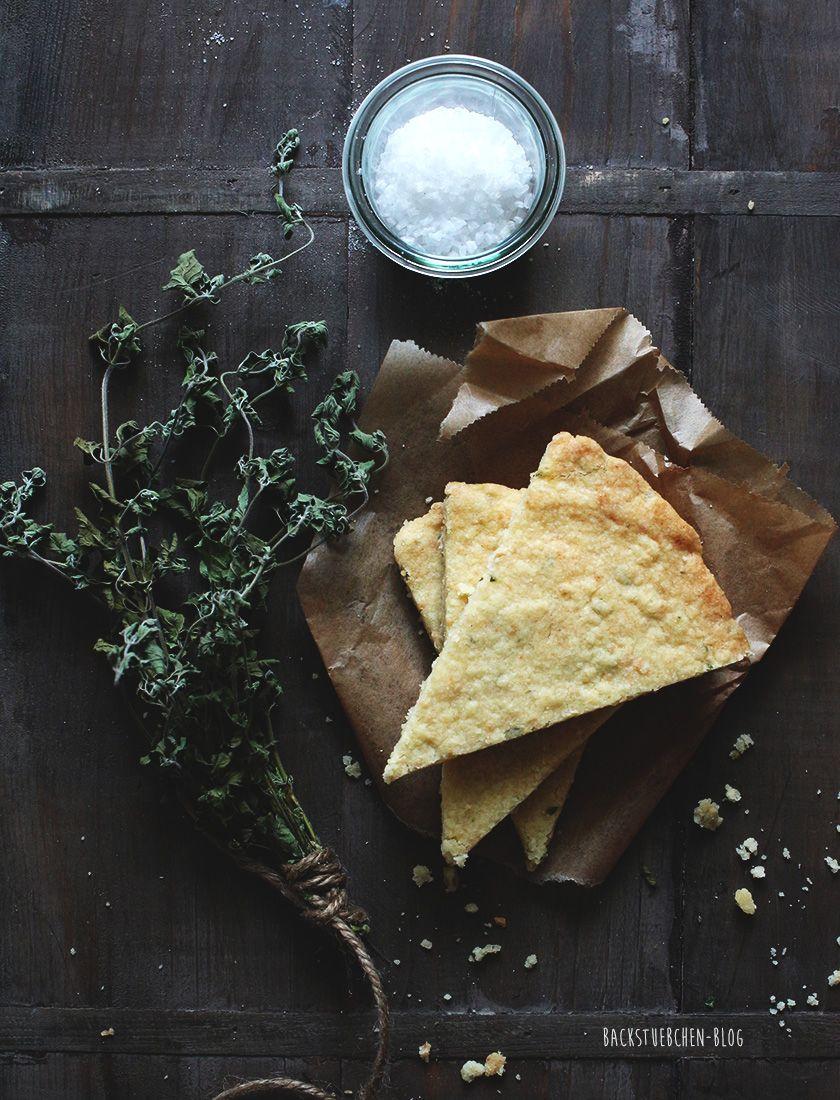 Parmesan-Kekse mit Oregano und Meersalz. Wir schwelgen in Toskana-Erinnerungen. | Backstuebchen