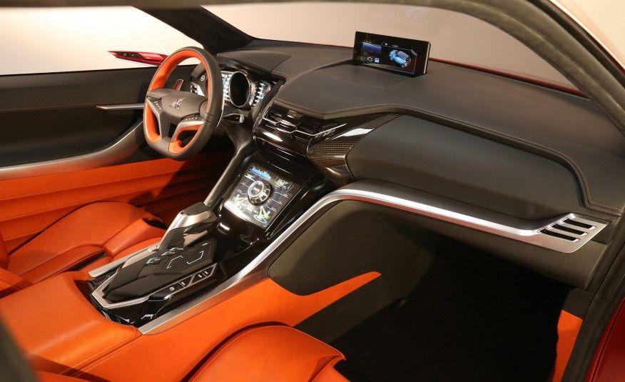 Mitsubishi XRPHEV II concept Pictures Car interior