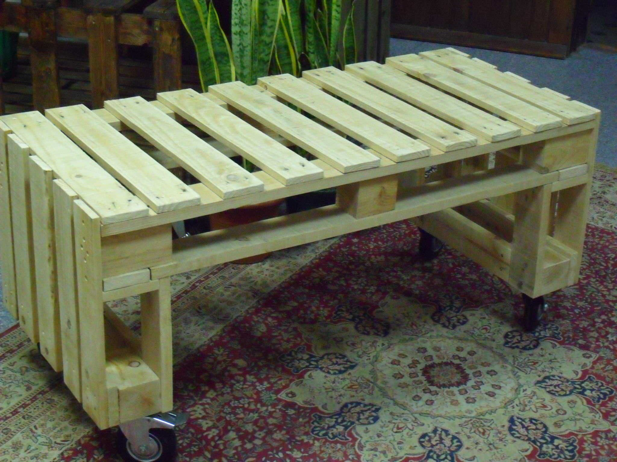 Very Simple Project Pallet Bench Out Of 2 Pallets Meubles De Patio Palette Bancs De Jardin Palettes Et Palette Diy