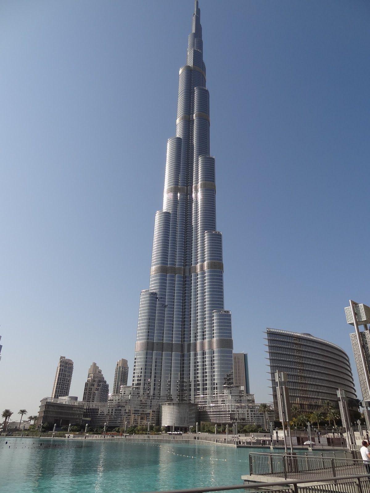 Burj khalifa dubai tallest building inthe world burj for Biggest hotel of dubai
