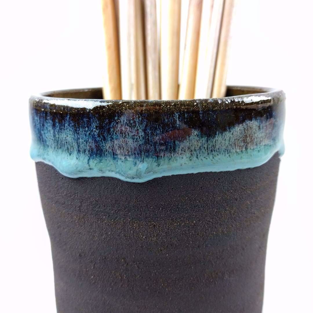 Selsor Chun on @potclays Vulcan Black clay. It's really interesting how differently my glazes behave on different clays  #pottery #clay #potteryart #potterystudio #ceramicbowls #pottery #potterymaking #instapottery #claystagram #potterylove #potterylife #pottersofinstagram #kilnfolk #ceramic #ceramics #contemporaryceramics #handmade #handmadepottery #makersgonnamake #makersmovement #createmakeshare #crafts #craftsposure #contemporarycrafts #glaze #cone6 #wheelthrown