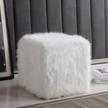 white faux fur cube ottoman kunstpelz