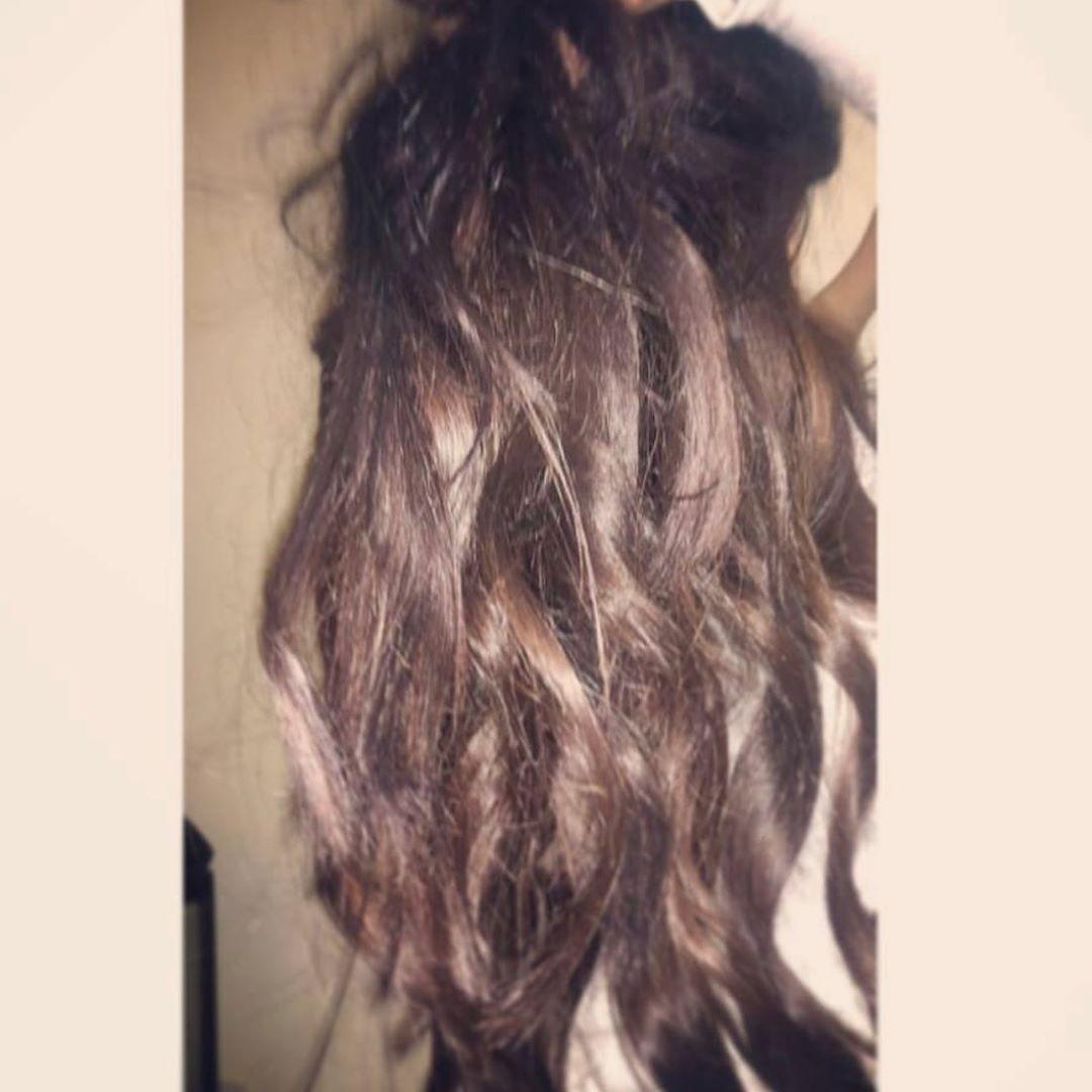 صبغة شعر من شغلي لون تشوكليت بدون سحب لون صباح الخير صبغات شعر صبغة شعر موضة جمال صالونات صبغة شعر من شغلي لون تشوك Hair Styles Beauty Long Hair Styles