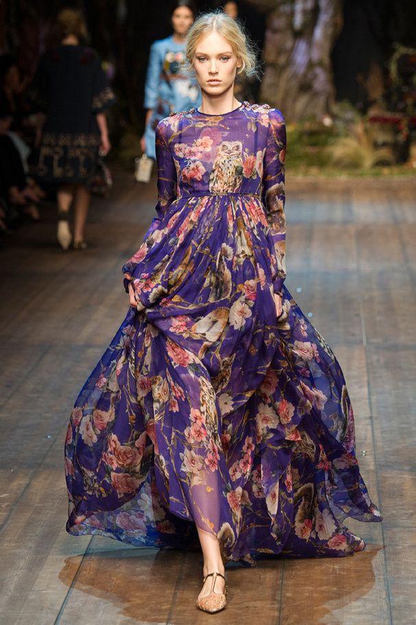 d9c4dab5529d La robe nocturne du défilé Dolce   Gabbana à Milan  love the flow of this  fabric.