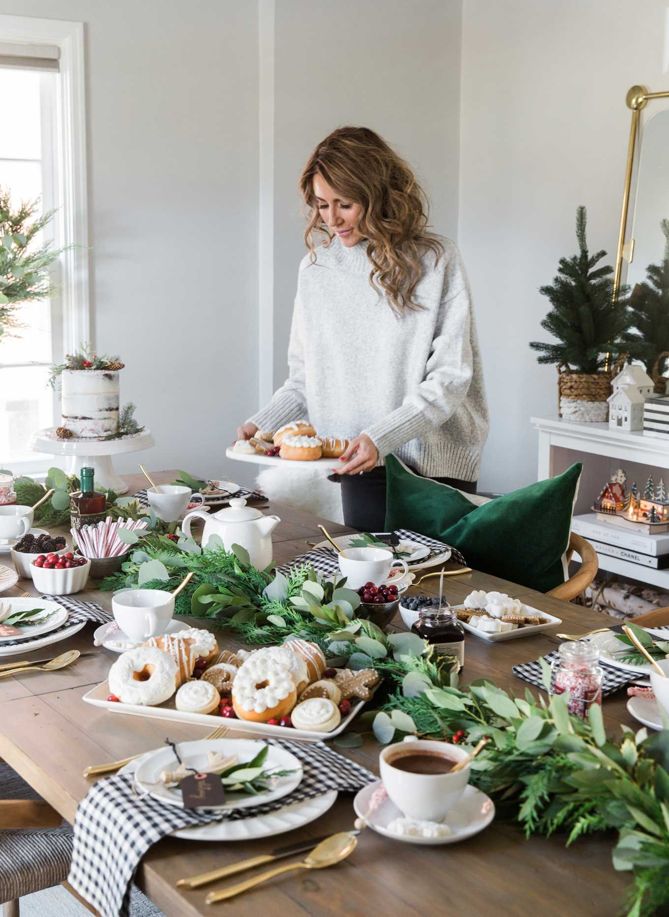Holiday Brunch In Our New Home Hello Fashion Brunch Table Setting Brunch Decor Christmas Table Decorations
