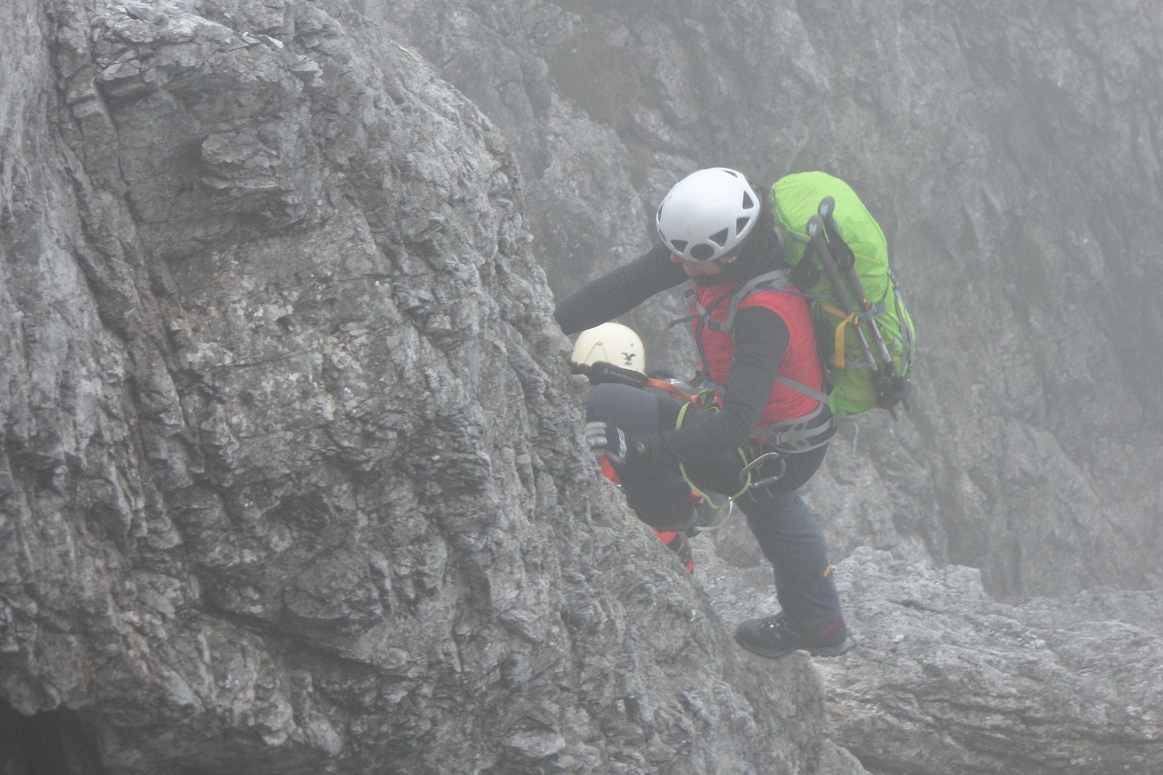 Klettersteig Königsjodler : Klettern in #Österreich im nebel auf dem klettersteig königsjodler