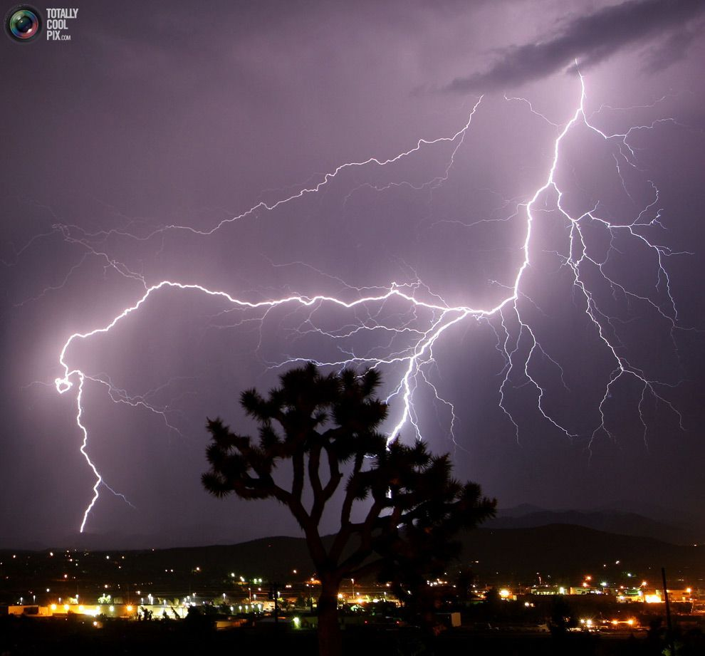 lightning pictures | 18. Lightning strikes over Prague's suburban neighbourhood during an ...