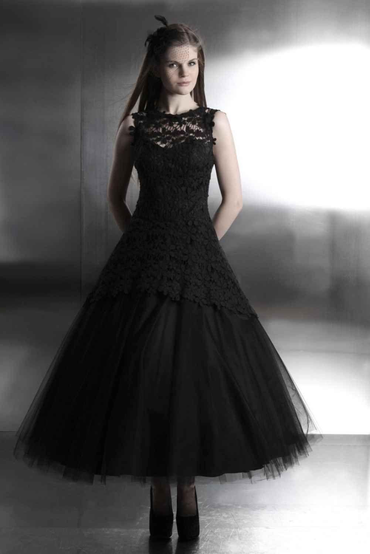 gothik brautkleid aus tüll und spitze | Wedding | Pinterest | Gothic ...