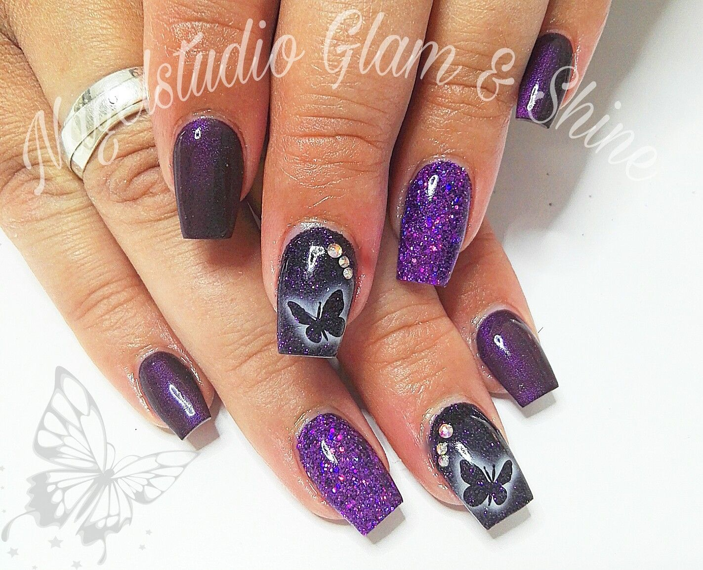 Pin by Valentina on ногти | Pinterest | Xmas nails, Nail decals and ...