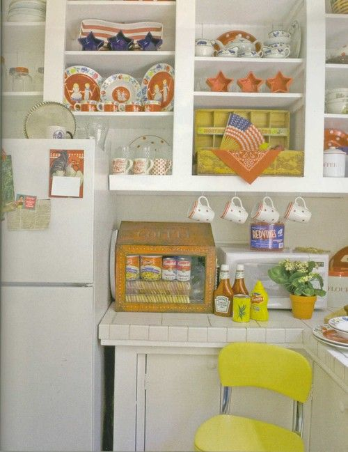 Good Cute Vintage Kitchen.