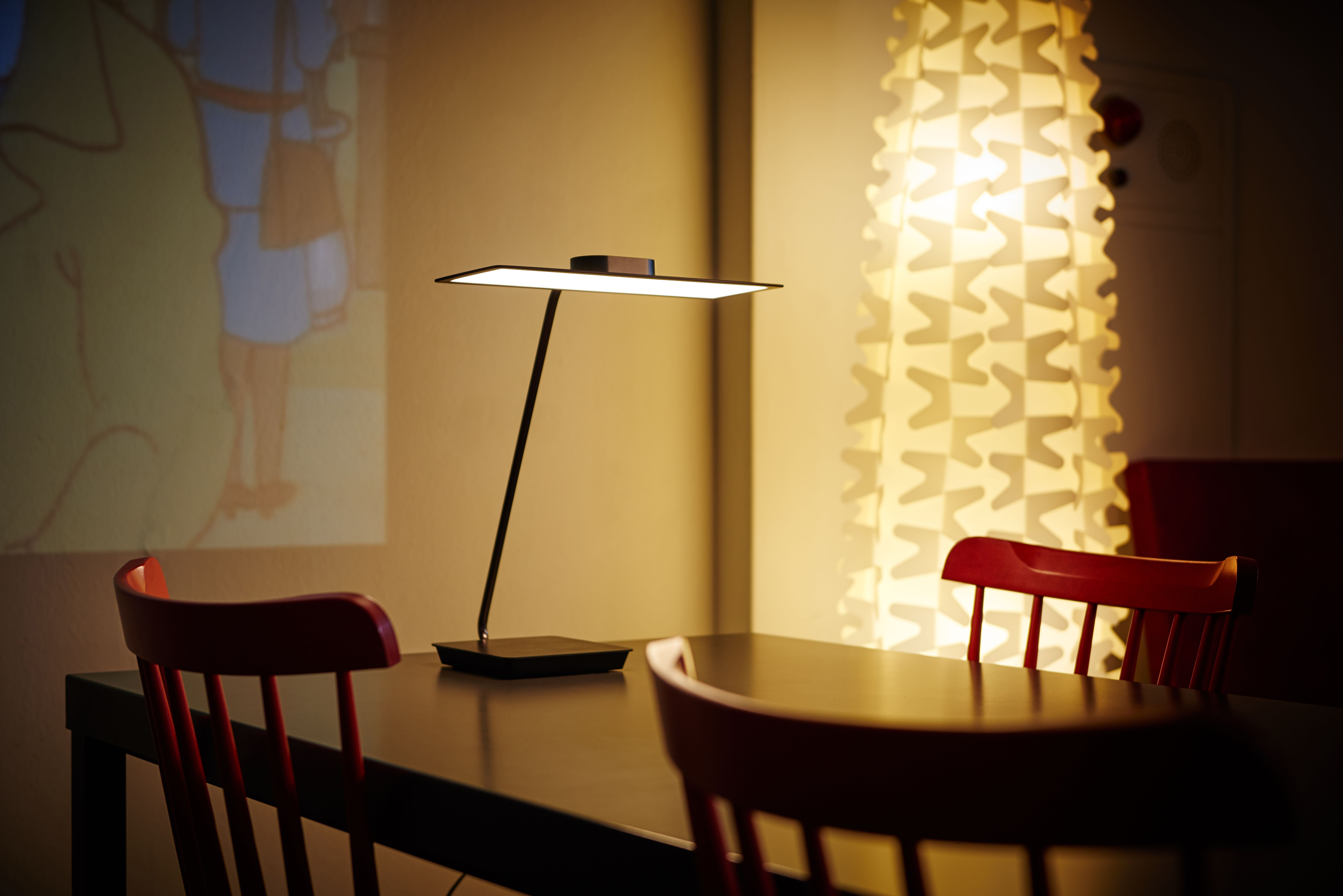 Sky Oled Desk Lamp By Lg Display The Most Affordable Oled Desk Lamp On The Market