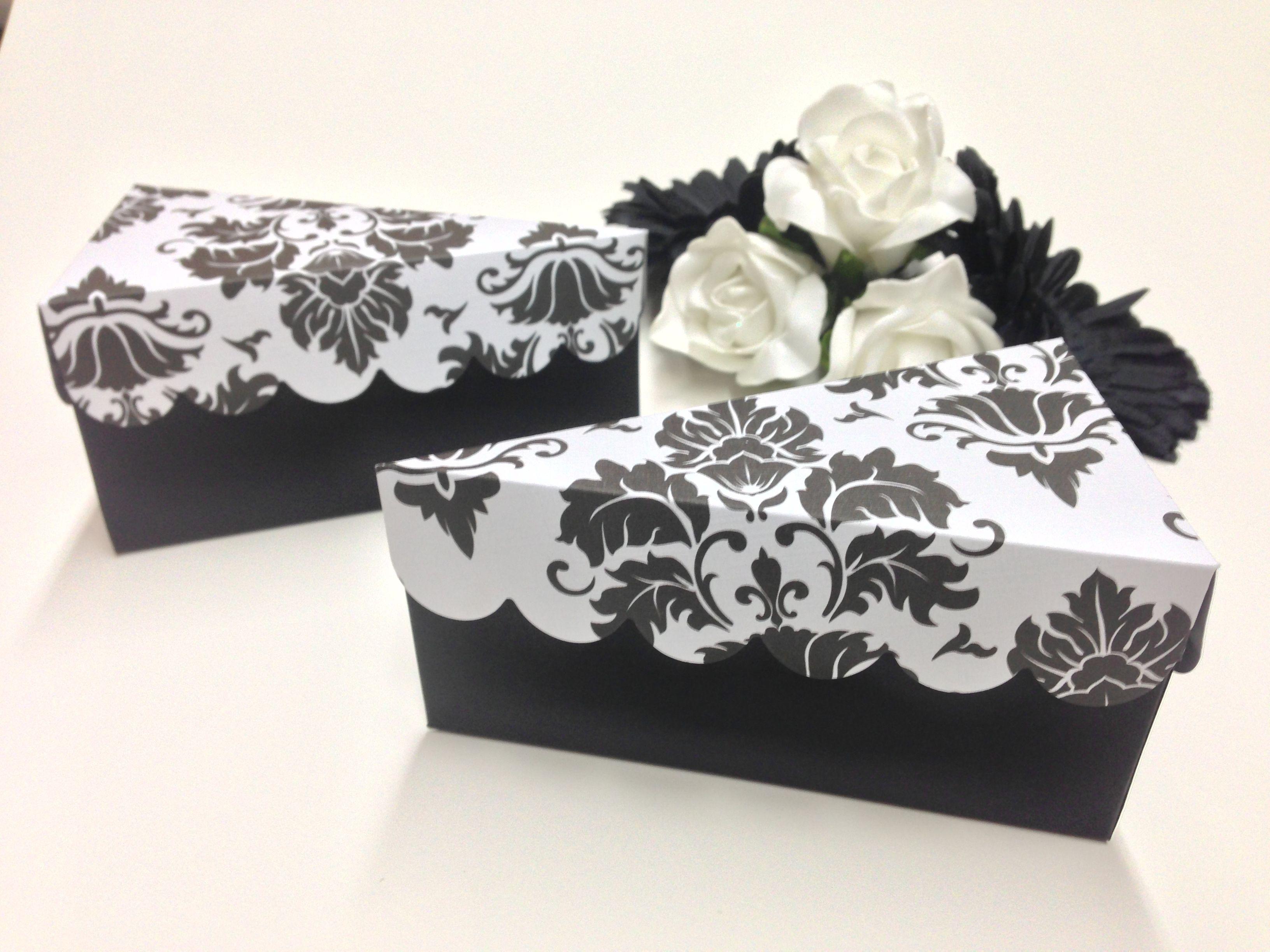Custom Wedding Favours Black And White Damask Cake Slice Beautiful 3