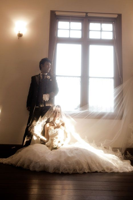 山口県の伊藤博文公記念館で結婚写真の洋装ロケーション撮影。