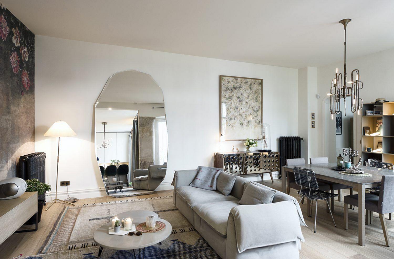 12 Beautiful Paris Style Decorating Ideas For Dream Apartments Parisian Apartment Decor Living Room Decor Modern Apartment Interior Design