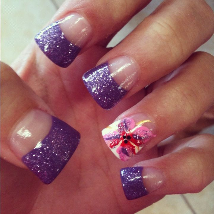 Love the color HATE the shape...fan nails are def not my thing but ...