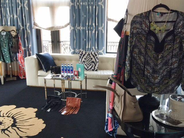Monday Mingle: Streets of Philadelphia | Thirty Something Fashion - Carly Walko