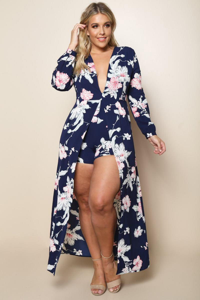 A headturning plus size maxi dress with a delicate hibiscus floral