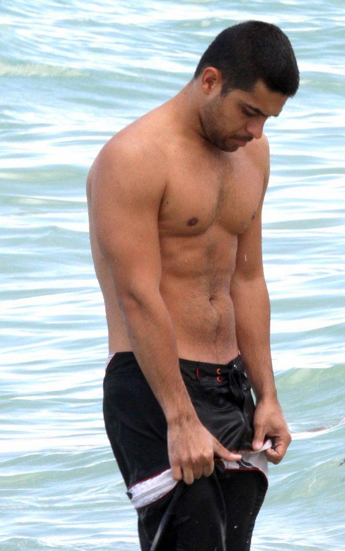 Wilmer Valderrama Shirtless Beach Trip   Oh yes I am