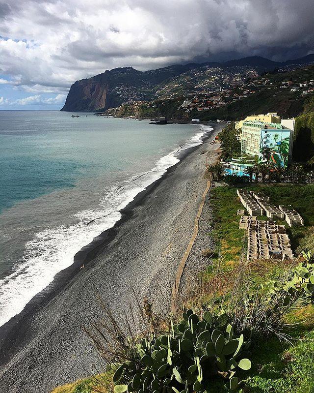 #praia #sea #funchalcity #funchal #visitfunchal #madeiraisland #madeira #ilovemadeira #visitmadeira #visitportugal #picoftheday #instadaily #portugal