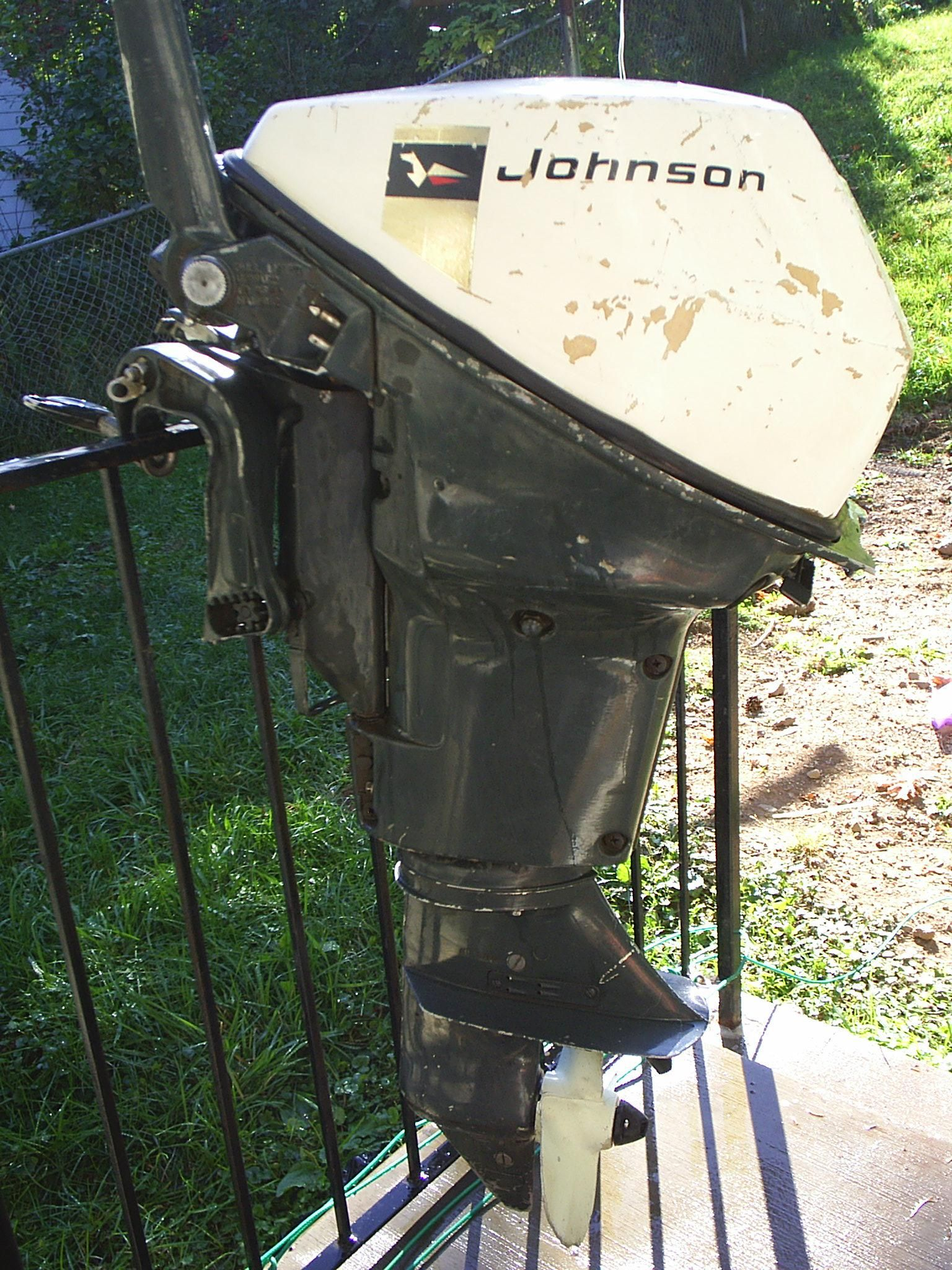 late 60s Johnson 9.5 hp cool motor Outboard Motors, Old Boats