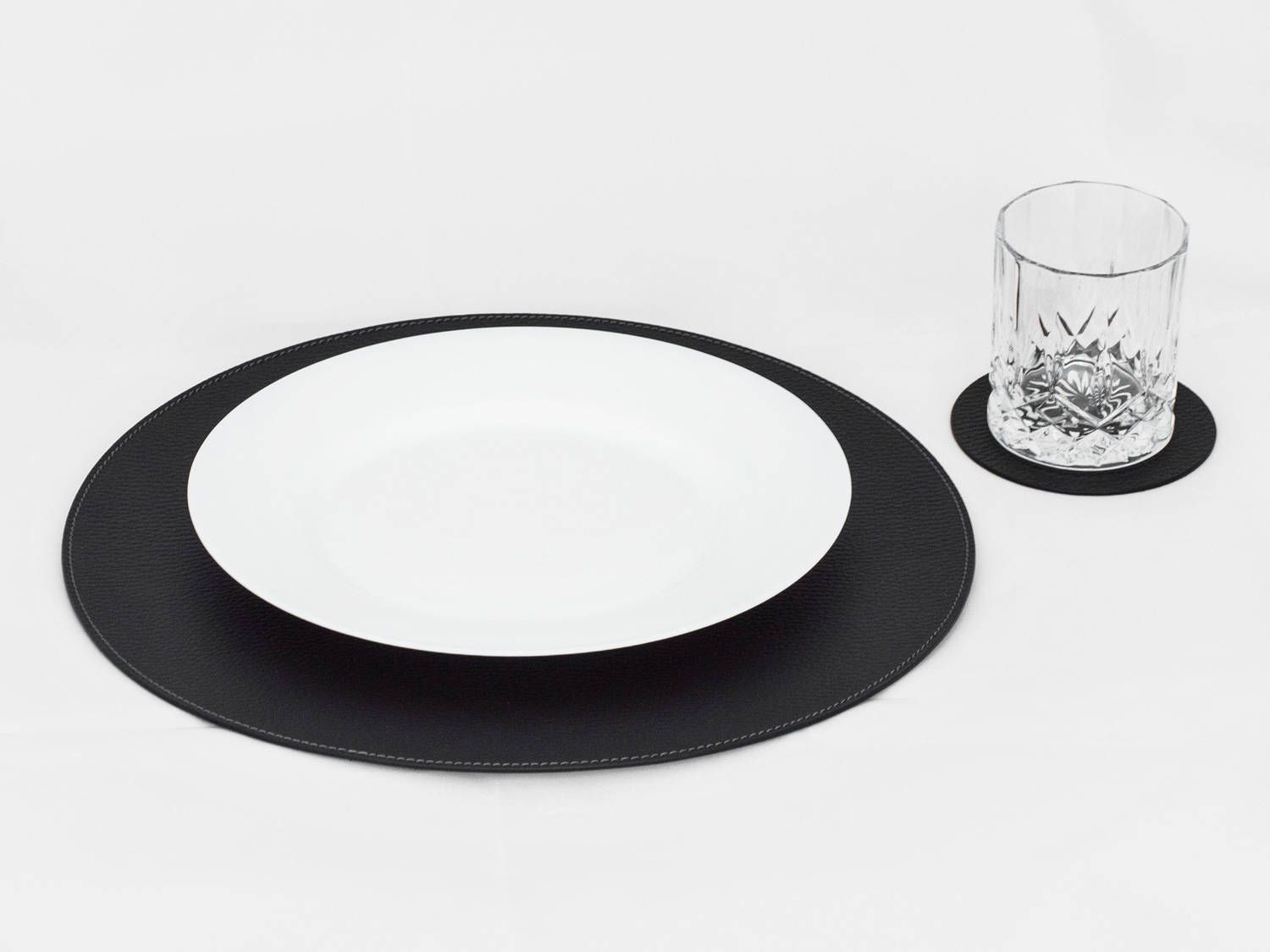 Black Round Placemats Placemats For Round Tables Place Etsy Placemats For Round Table Placemats Black Placemats