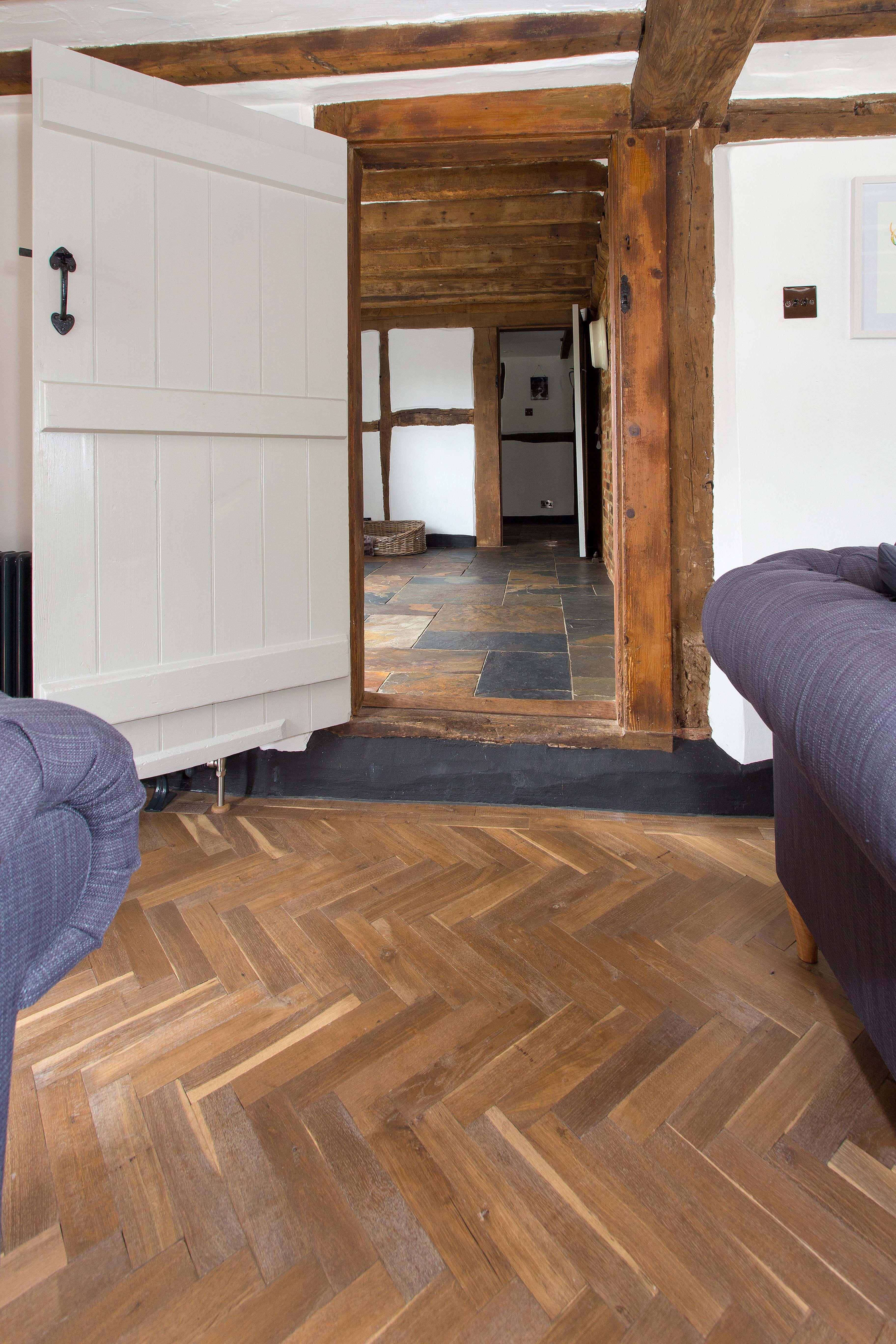 Solid oak parquet herringbone wood flooring with two block