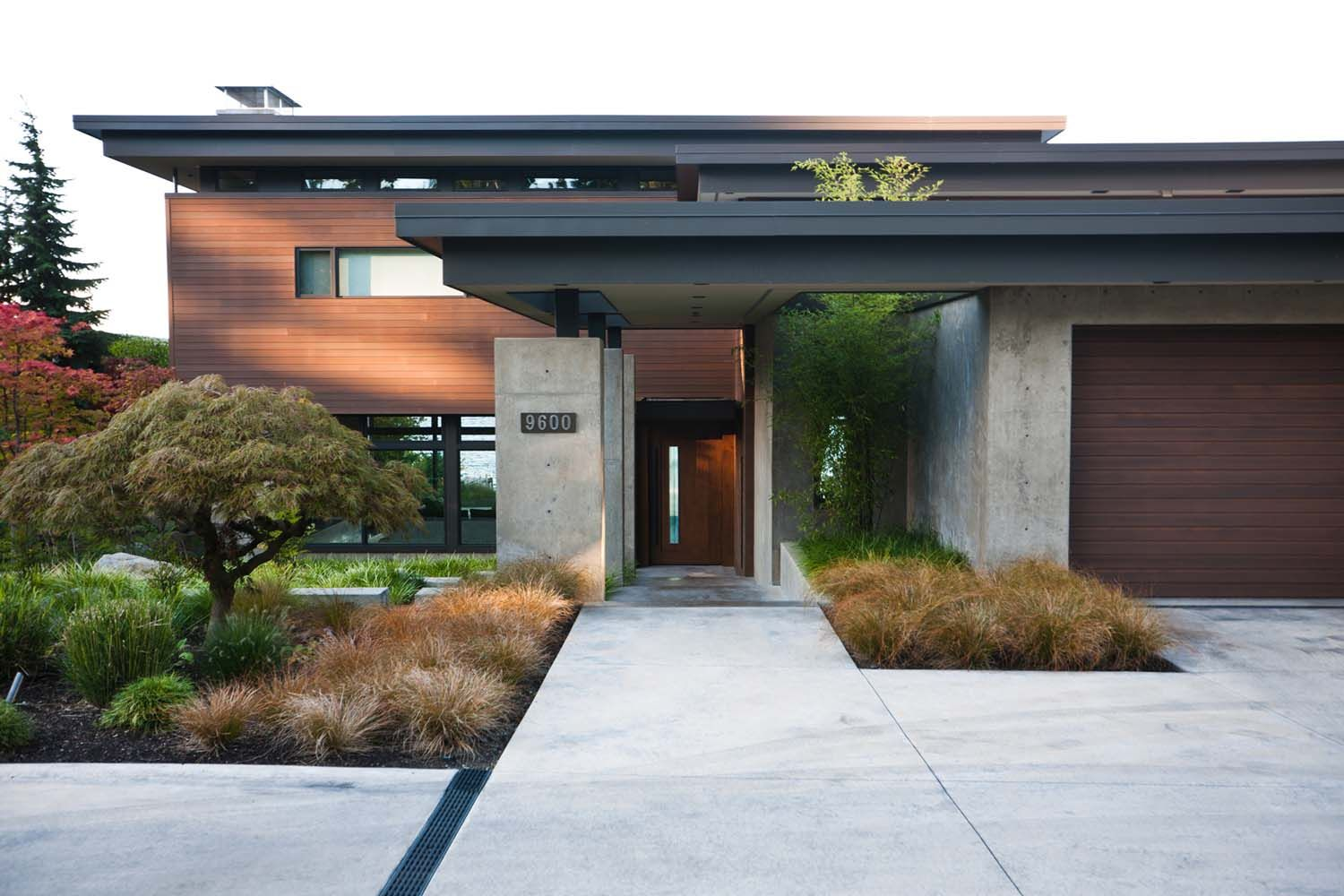 Contemporary Mercer Island Lake House Infused With Asian Touches House Exterior Modern House Exterior Facade House