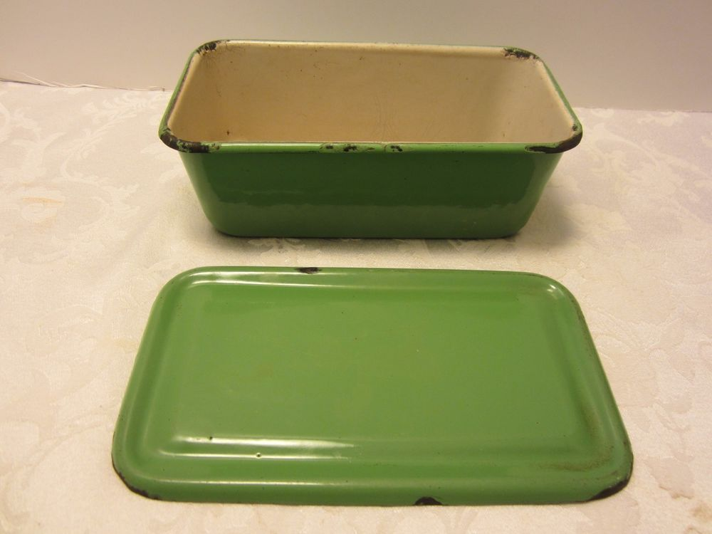 Vintage ENAMELWARE Green Refrigerator Box Storage Container Dish Pan w/LID 1930s