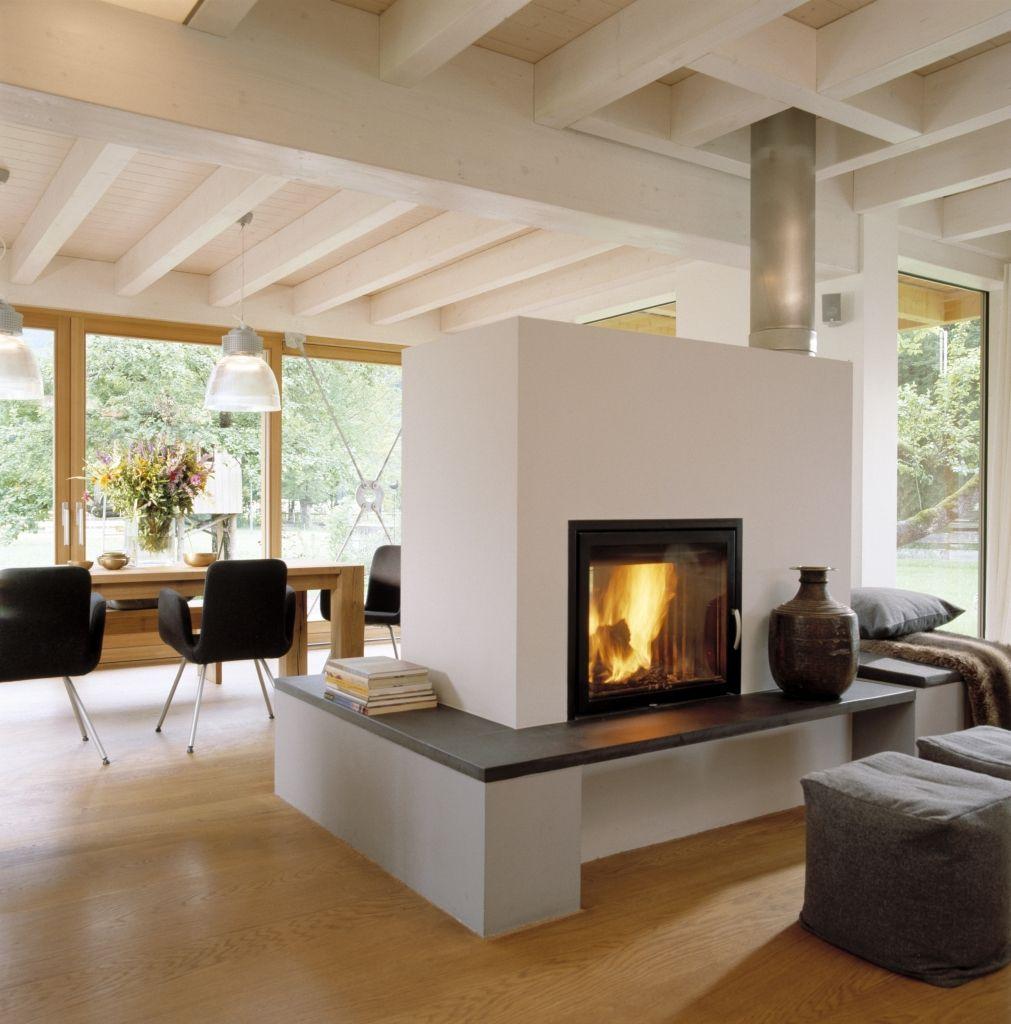 Panoramakamin im wohnzimmer mit bodentiefen fenster haus for Innenarchitektur esszimmer