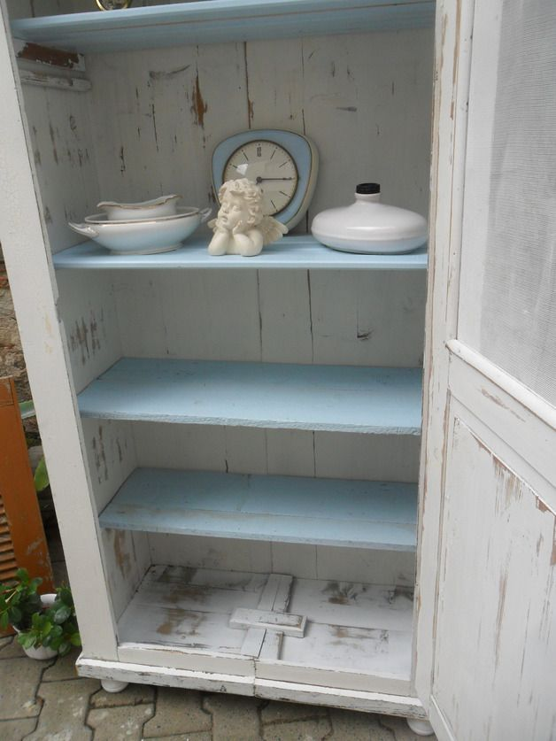 vintage schr nke shabby ur alter fliegenschrank brotschrank wei ein designerst ck von. Black Bedroom Furniture Sets. Home Design Ideas
