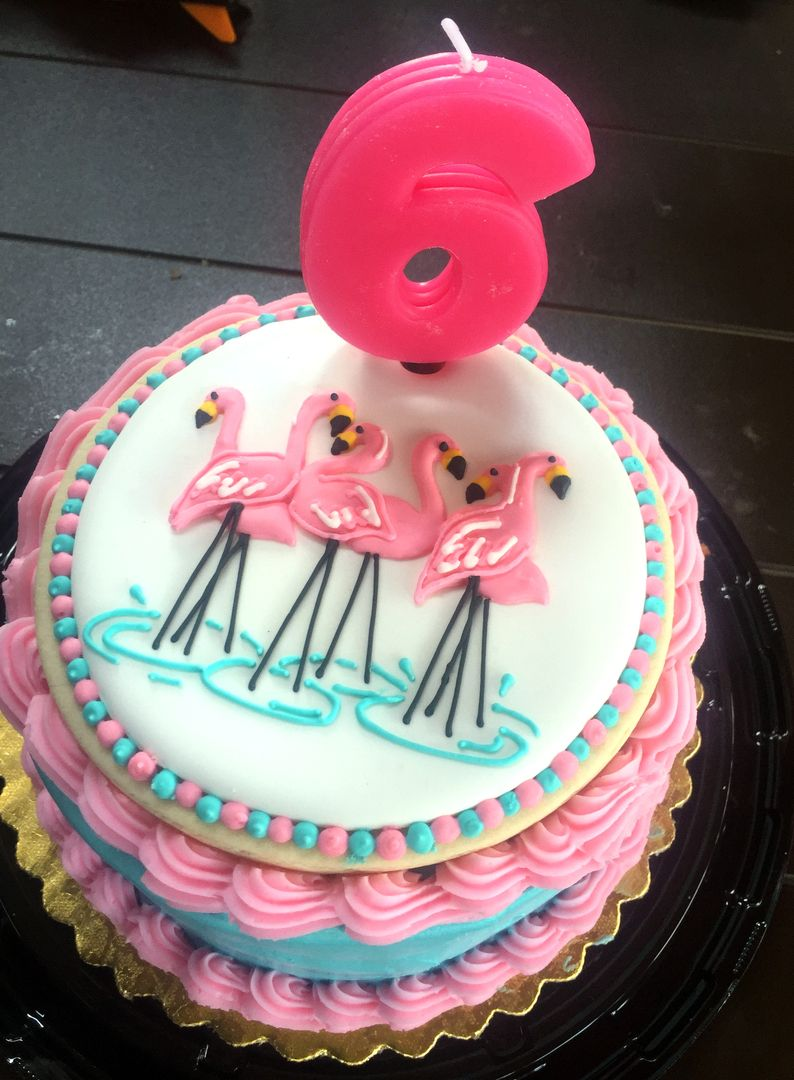 flamingo cookie cake top cakes decorated with cookies pinterest flamingo cake and birthdays. Black Bedroom Furniture Sets. Home Design Ideas