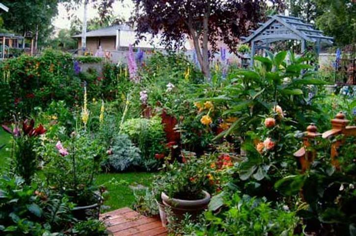 30+ Beautiful Small Cottage Gardens Design Ideas | Gardening Ideas ...