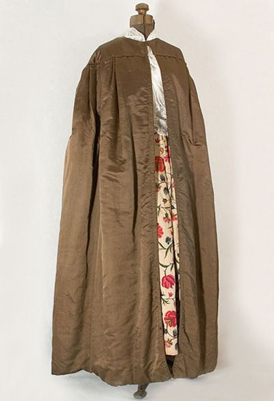 Hand-quilted silk cape, 1830s