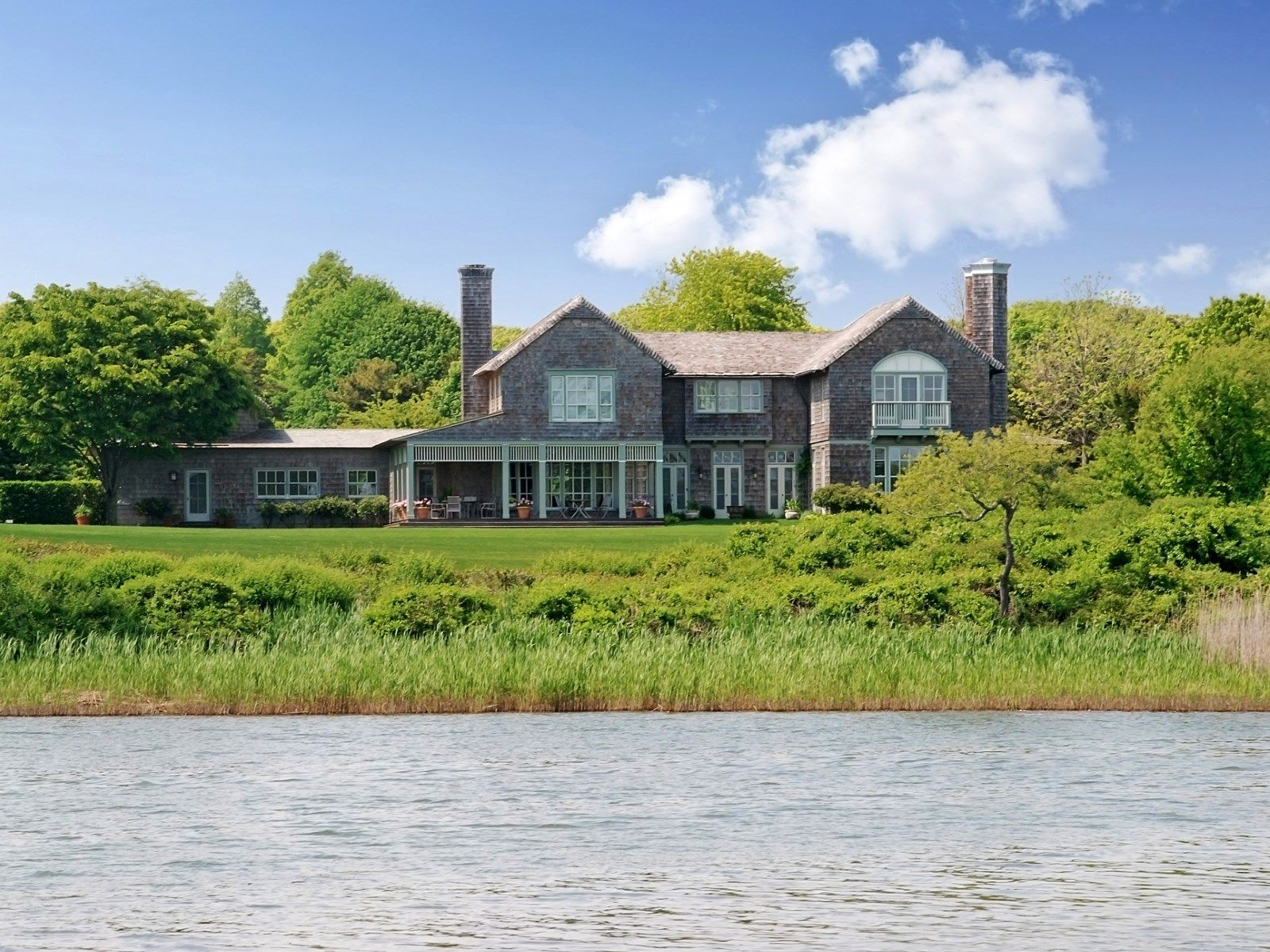 east hampton singles East hampton ct single family real estate market below is a daily updated overview of market information for east hampton, ct click on metrics below to explore more.