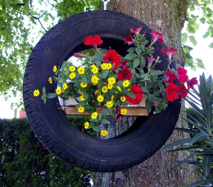 Garten Dekoration alter Autoreifen Blumenampel von Schlüter Kunst
