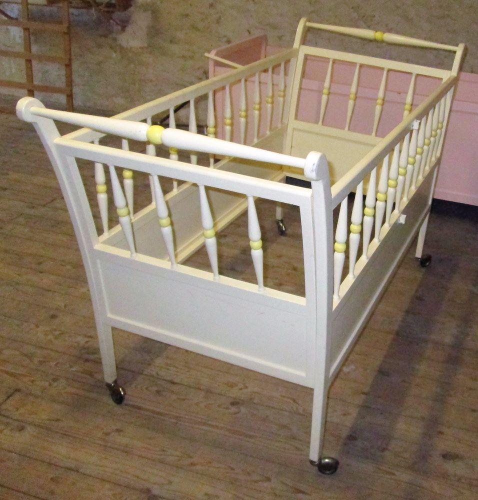 ancien lit enfant b b poup e roulette bois barreau 143 x 63 berceau lit chaise bb. Black Bedroom Furniture Sets. Home Design Ideas