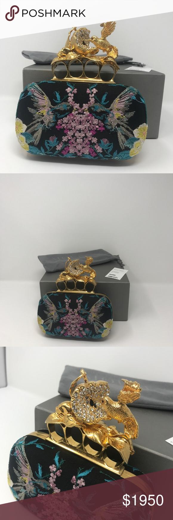 39902b933b1d Alexander McQueen Clutch Beautiful Apple and Hummingbird knuckle-duster.  Holder signature McQueen hinged brass