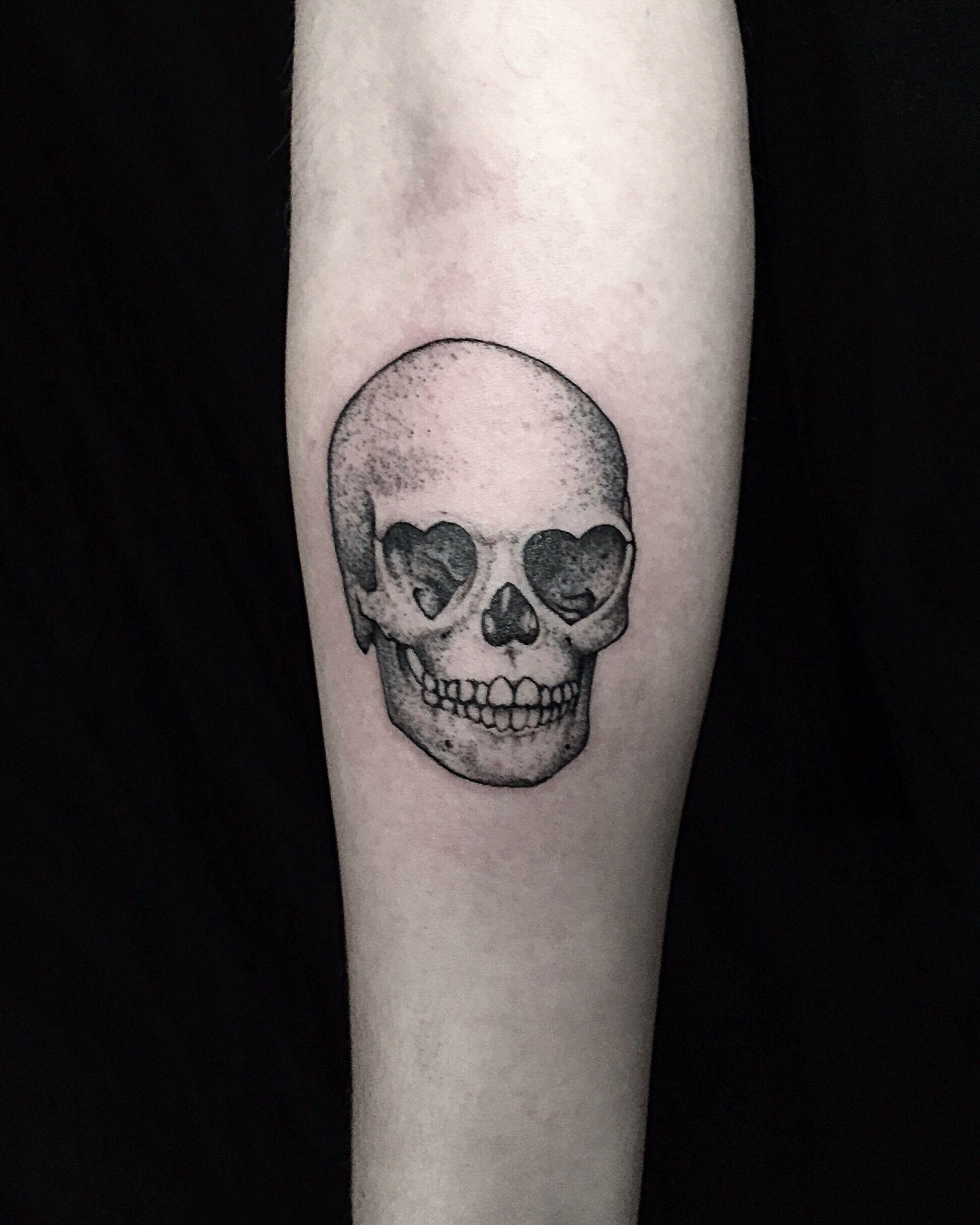Heart Eyed Skull. #tattoo #losangeles #skull #hearts