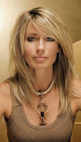 Frauen Mittlere Haare Frauen Haare Mittlere Schulterlang Frisuren Schulterlange Haarschnitte Haarschnitt